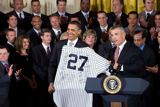 640px-2009_World_Series_Champions_and_Barack_Obama