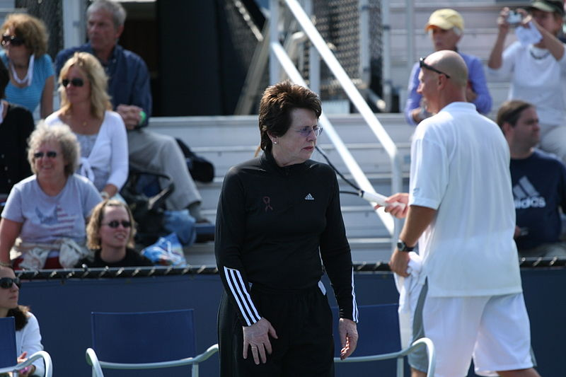 800px-Billie_Jean_King_2009_US_Open_01