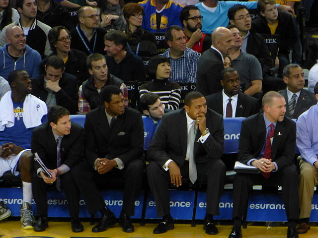 Mark_Jackson_and_assistant_Warriors_coaches