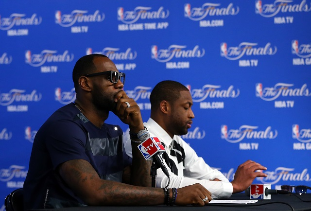 LeBron-James-Chris-Covatta-Getty-Images.jpg