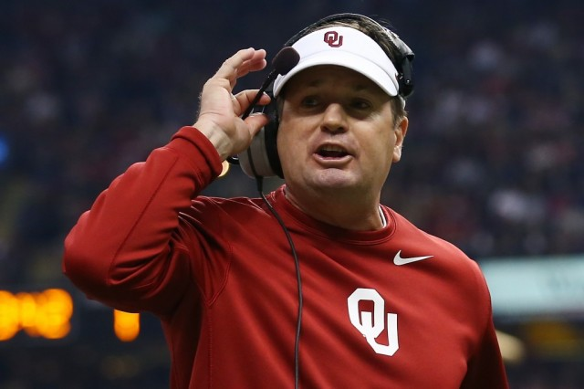 Bob Stoops coaching for Oklahoma
