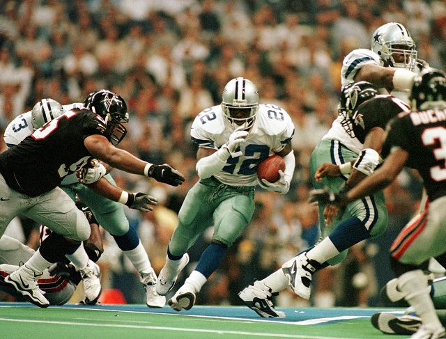 Emmitt Smith running the ball
