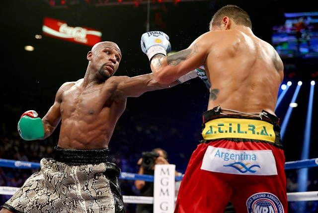 Floyd Mayweather Jr. fights Marcos Maidana