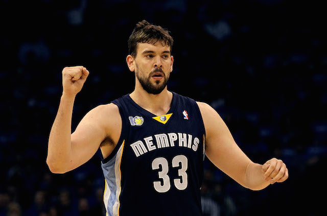 Marc Gasol pumps his fist.