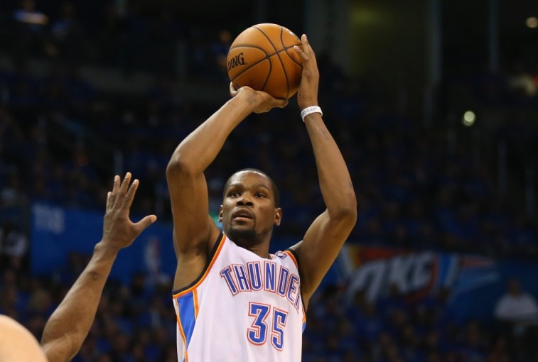 Kevin Durant shoots in the 2014 Western Conference Finals