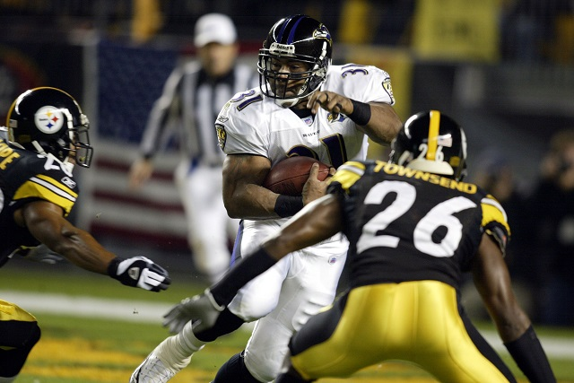 Baltimore Ravens' Jamal Lewis in action against the Pittsburgh Steelers.