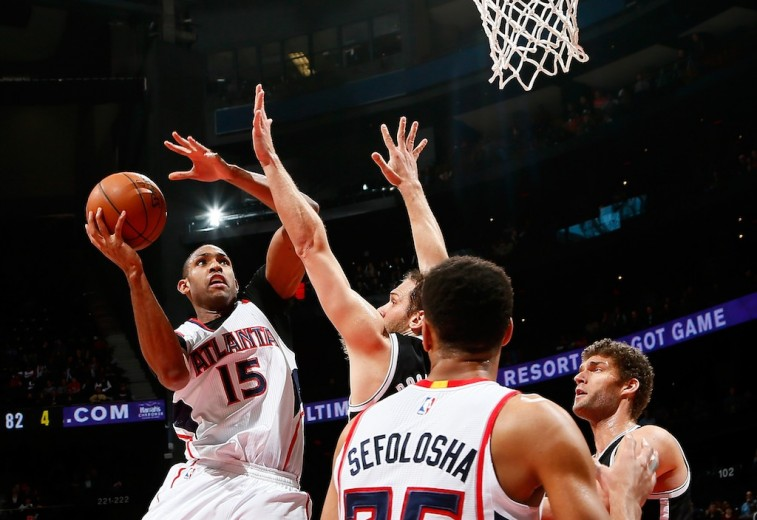 Al Horford makes a move to the basket