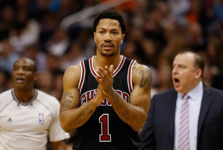 PHOENIX, AZ - JANUARY 30: Derrick Rose #1 of the Chicago Bulls during the second half of the NBA game against the Phoenix Suns at US Airways Center on January 30, 2015 in Phoenix, Arizona. The Suns defeated the Bulls 99-93. NOTE TO USER: User expressly acknowledges and agrees that, by downloading and or using this photograph, User is consenting to the terms and conditions of the Getty Images License Agreement.