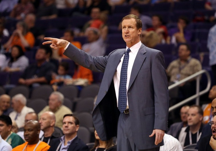 Portland Trail Blazers head coach Terry Stotts points at his team