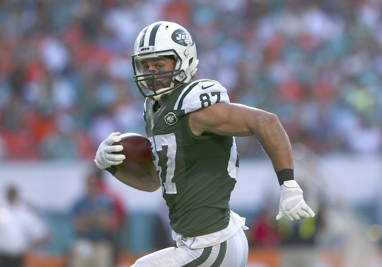 Eric Decker runs for a touchdown in 2014.