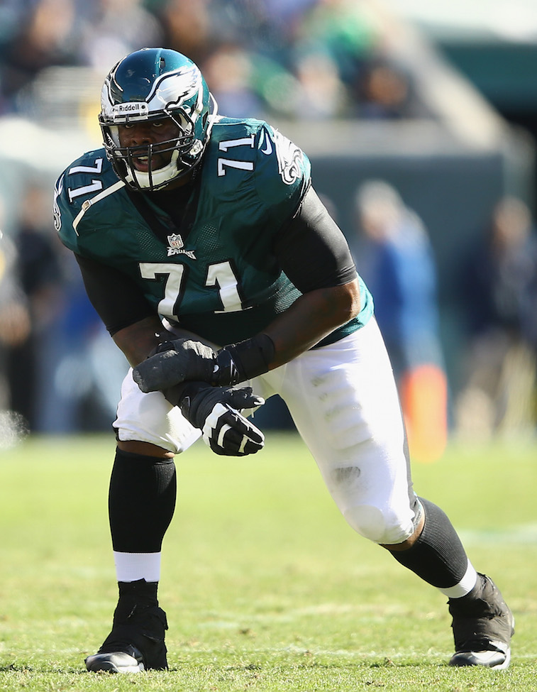 Philadelphia Eagles left tackle Jason Peters lines up during a game.