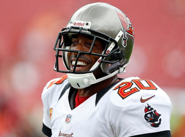 Ronde Barber smiles before a game.