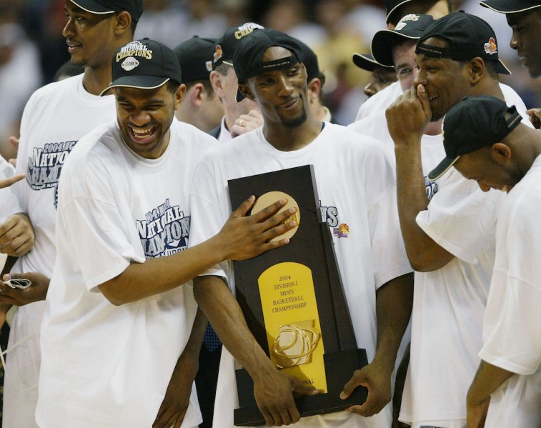2004 Connecticut Huskies celebrate national championship