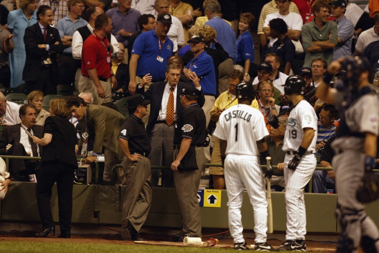 Bud Selig ends 2002 All-Star Game in a tie
