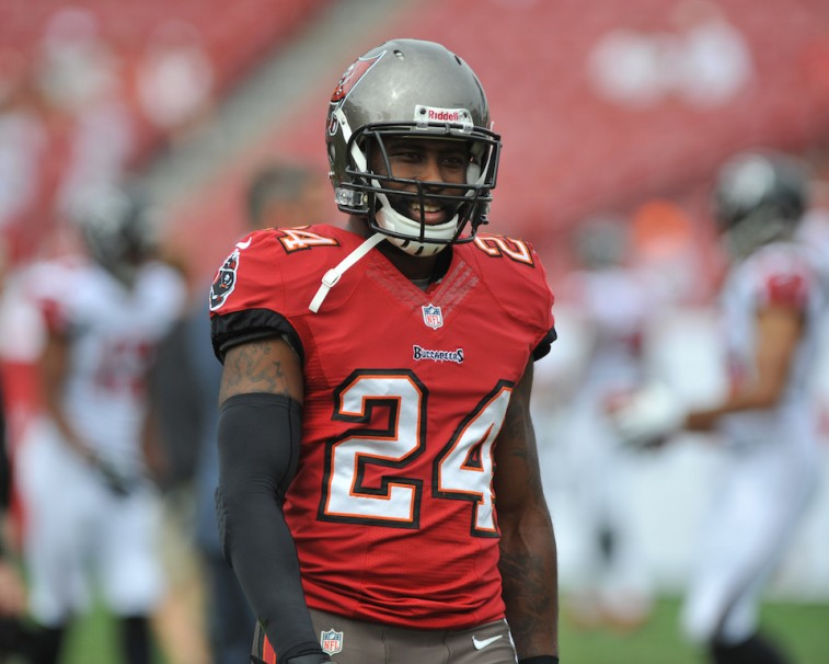Darrelle Revis warms up to play the Atlanta Falcons