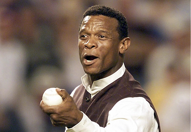 Rickey Henderson of the San Diego Padres prepares t