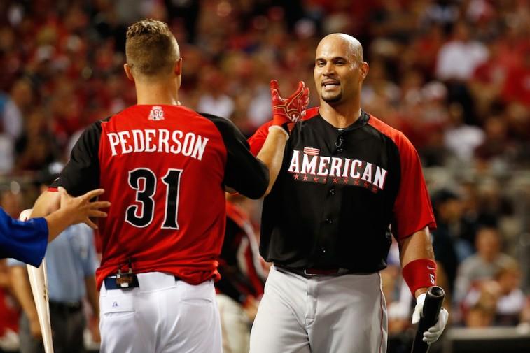Albert Pujols congratulates Joc Pederson