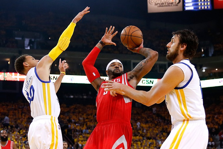 during game five of the Western Conference Finals of the 2015 NBA Playoffs at ORACLE Arena on May 27, 2015 in Oakland, California. NOTE TO USER: User expressly acknowledges and agrees that, by downloading and or using this photograph, user is consenting to the terms and conditions of Getty Images License Agreement.