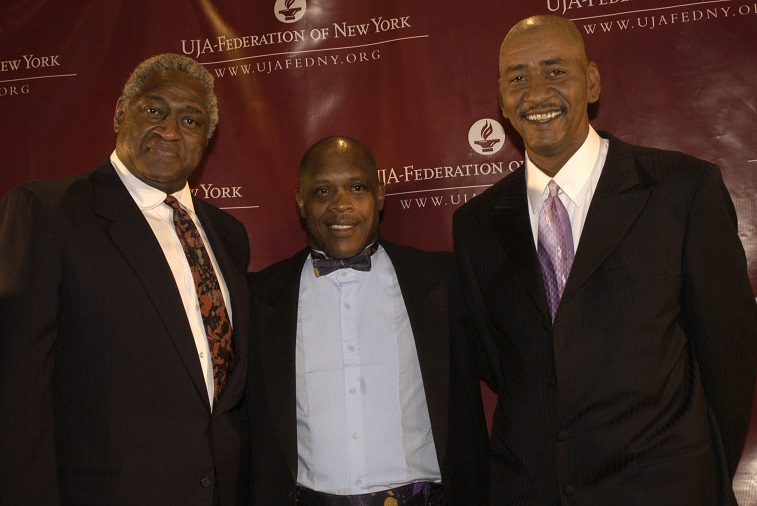 "NEW YORK - MAY 20:  (HOLLYWOOD REPORTER OUT)  (L-R) NBA Hall of Famers Willis Reed,  Nate ""Tiny"" Archibald and George ""Iceman"" Girvin attend the UJA-Federation of New York Dinner honoring Comcast executives Ralph Roberts and Brian Roberts at the Waldorf Astoria May 20, 2003 in New York City.  (Photo by )"