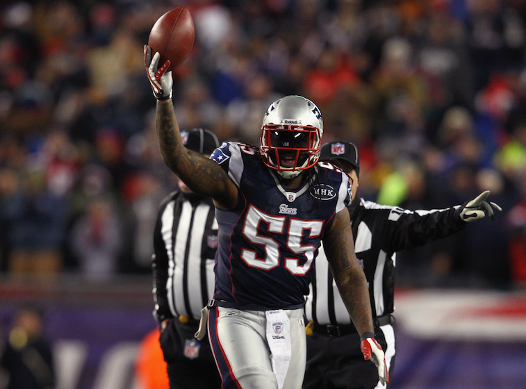 Brandon Spikes recovers fumble