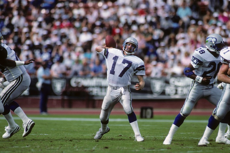 LOS ANGELES, CA - OCTOBER 25: Quarterback Dave Krieg #17 of the Seattle Seahawks passes during the game against the Los Angeles Raiders at Los Angeles Memorial Coliseum on October 25, 1987 in Los Angeles, California. The Seahawks won 35-13.