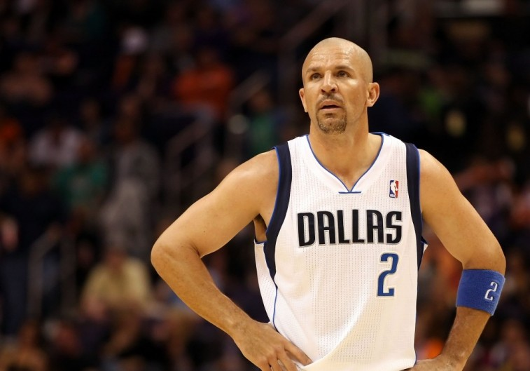 A sweaty Jason Kidd looks up at the basket.