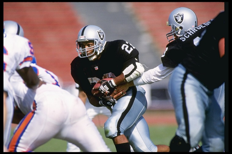 8 Sep 1991: Runningback Roger Craig of the Los Angeles Raiders runs down the field during a game against the Denver Broncos at the Los Angeles Coliseum in Los Angeles, California. The Raiders won the game 16-13.