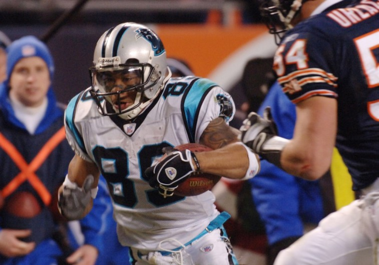 Steve Smith runs after the catch in a 2005 playoff game against the Bears