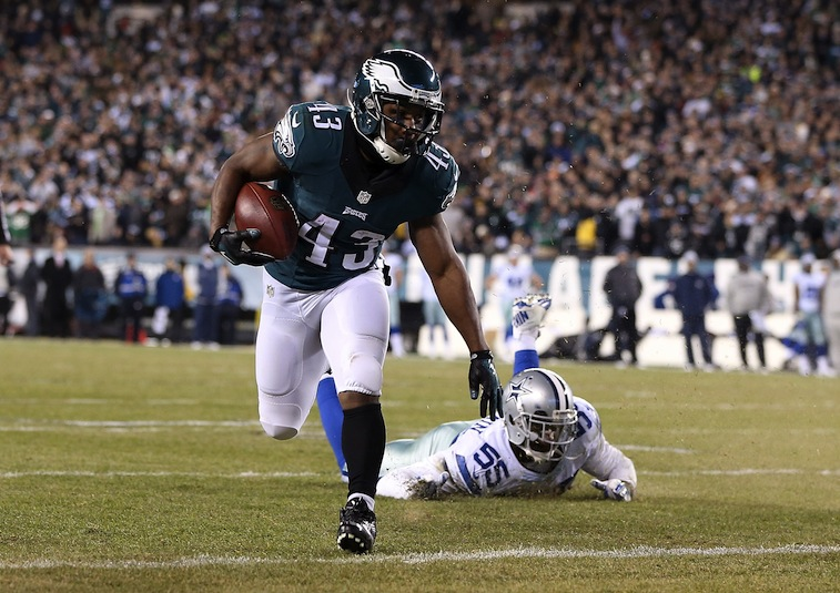 Darren Sproles runs for a touchdown against the Dallas Cowboys