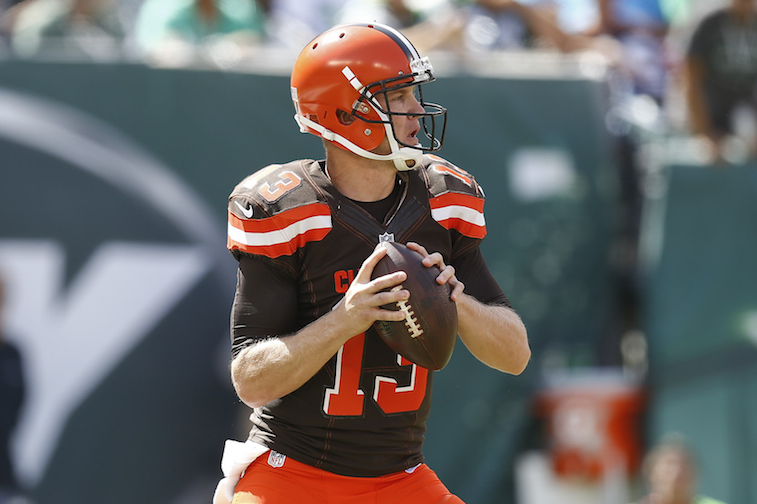 Josh McCown throws against the Jets