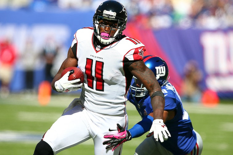 Julio Jones makes a catch against the New York Giants
