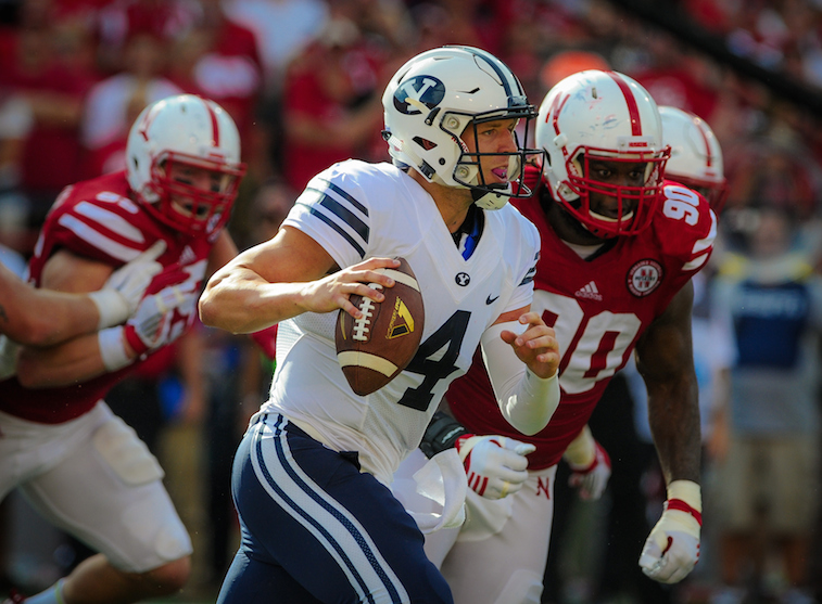 Taysom Hill runs against Nebraska