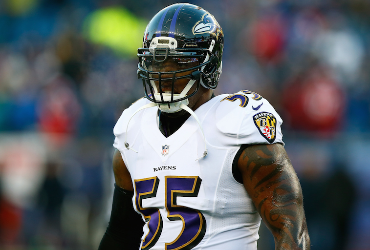 Terrell Suggs plays against the Patriots