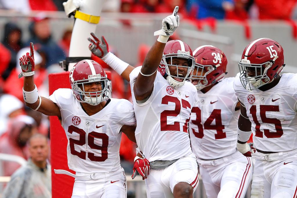 Alabama Crimson Tide celebrate a touchdown