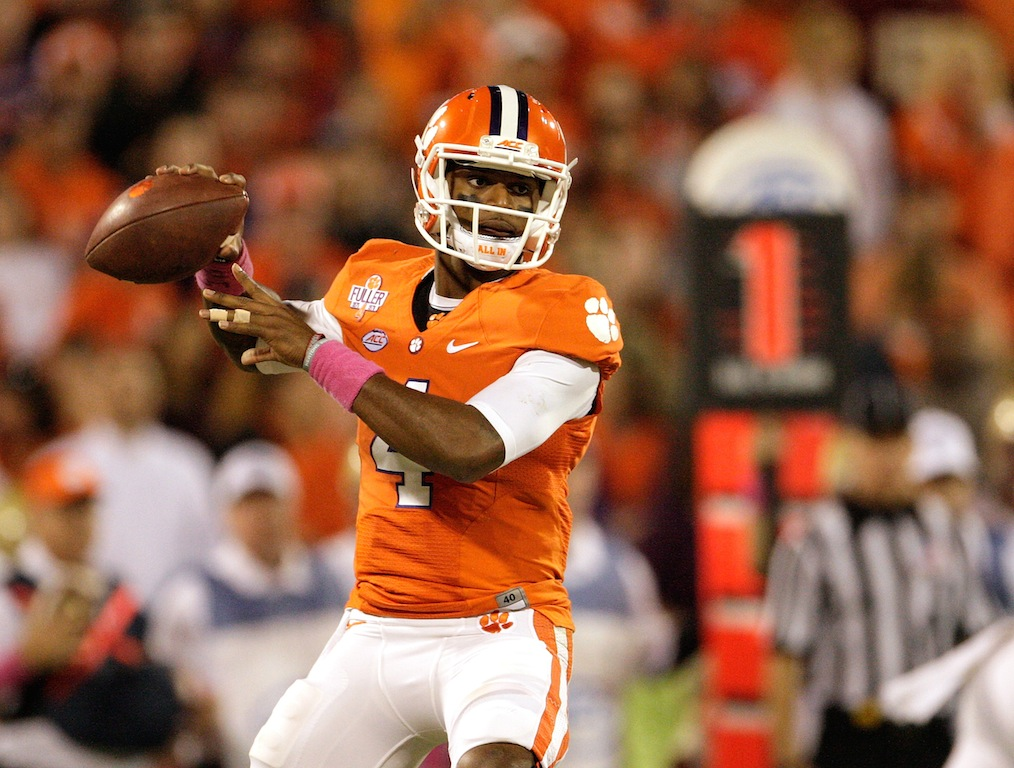 Deshaun Watson drops back to pass