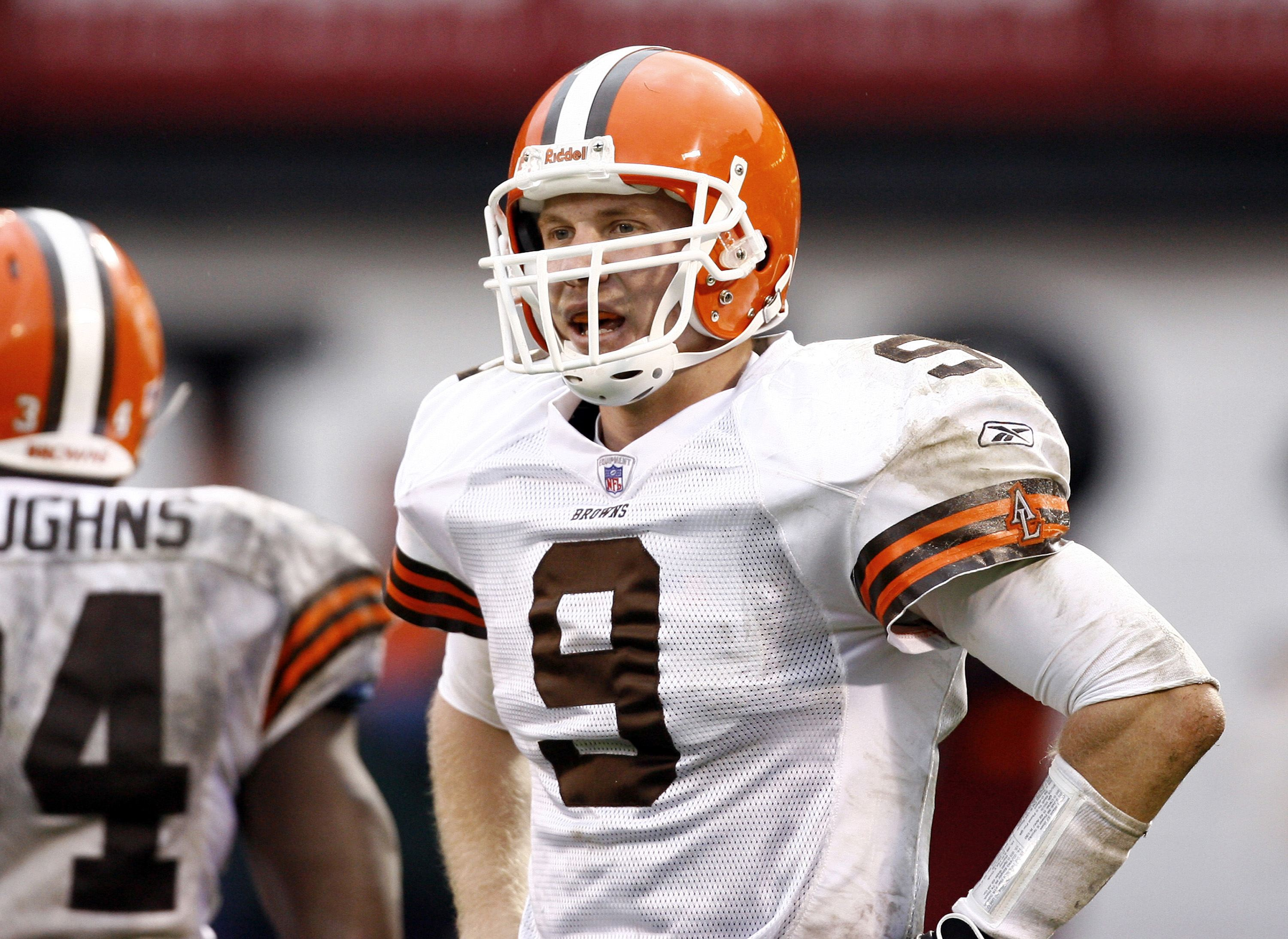 Cleveland Browns rookie quarterback Charlie Frye threw for 198 yards and won his first NFL game with the Cleveland Browns.