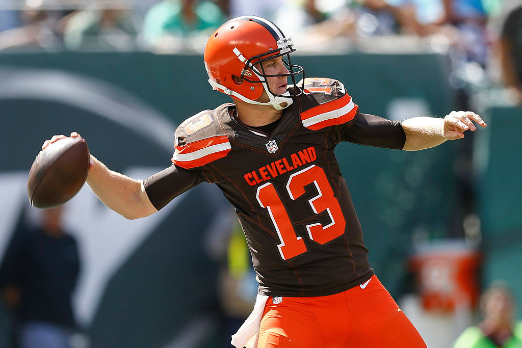 Josh McCown of the Cleveland Browns passes against the New York Jets.