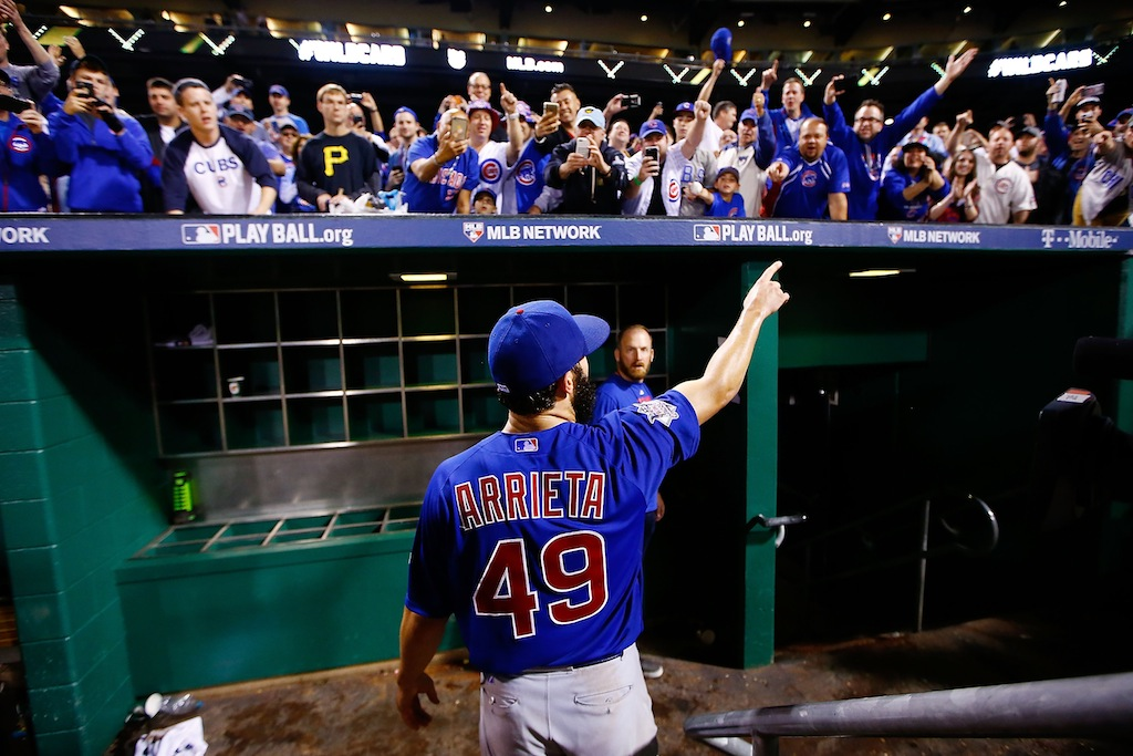 Jake Arrieta acknowledges the crowd after the Cubs 4-0 win in the NL Wild Card game