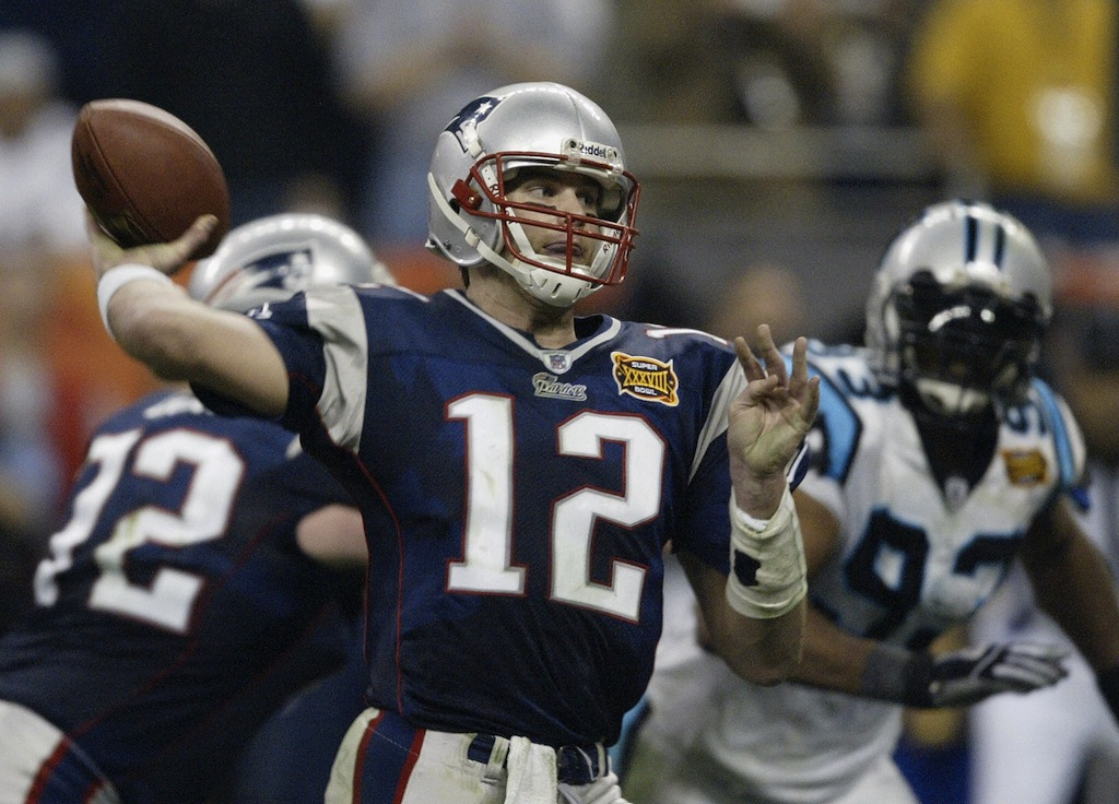 Tom Brady throws the ball against the Carolina Panthers in the Super Bowl