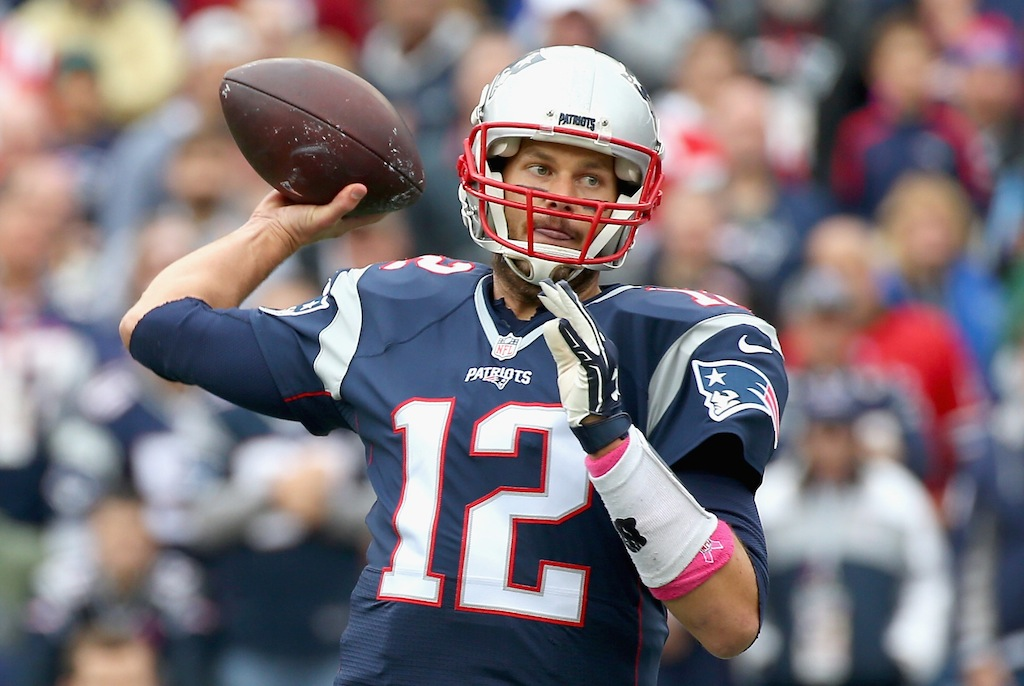 Tom Brady throws against the Jets