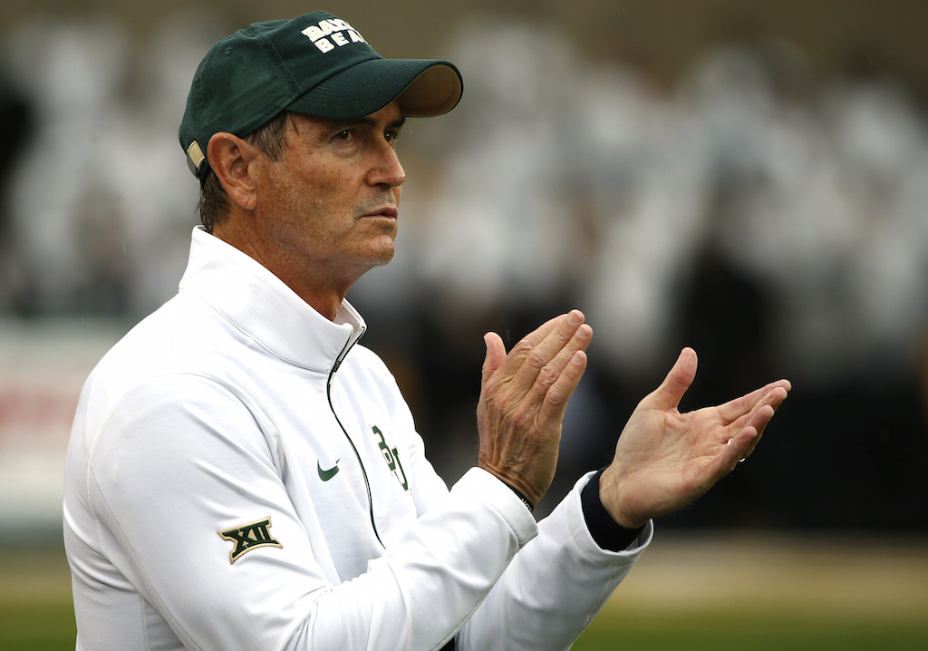 Art Briles encourages his Baylor Bears team from the sideslines | Ron Jenkins/Getty Images