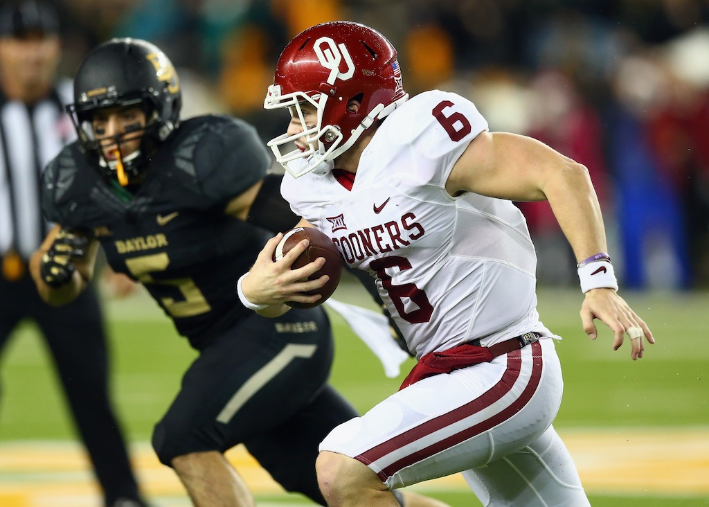 Baker Mayfield runs against Baylor