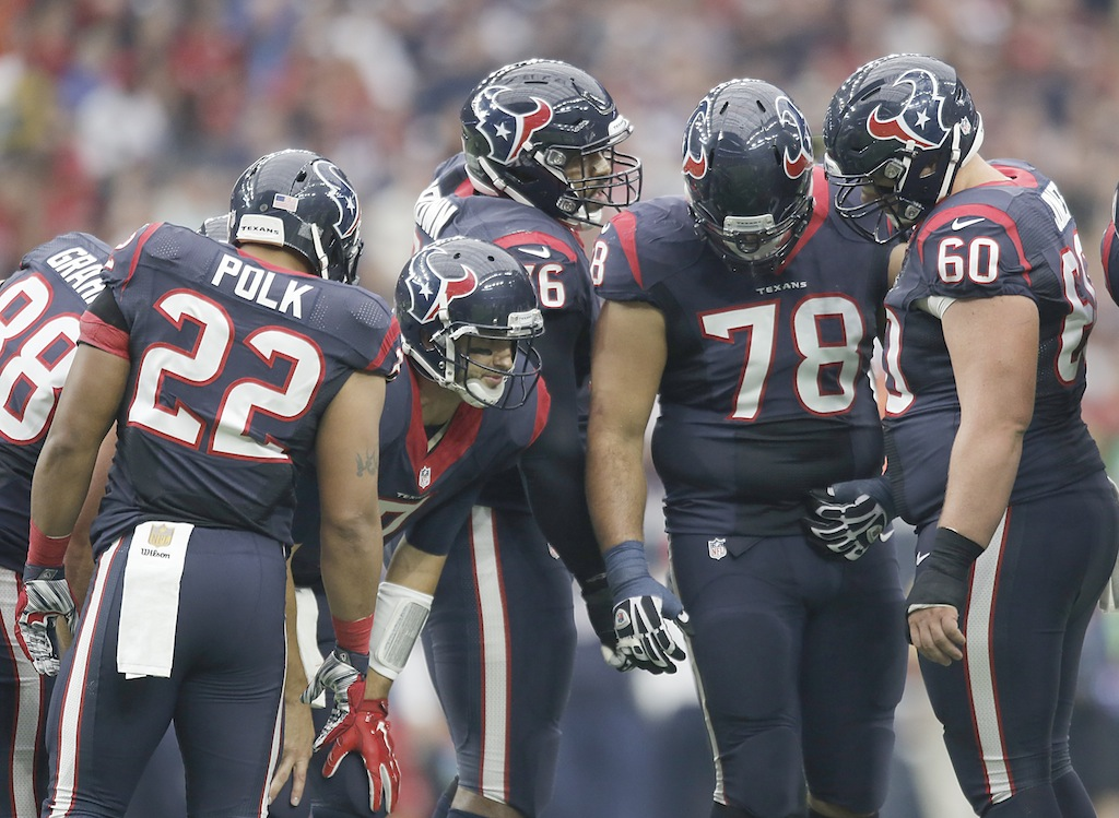 Brian Hoyer #7 leads the Texans huddle