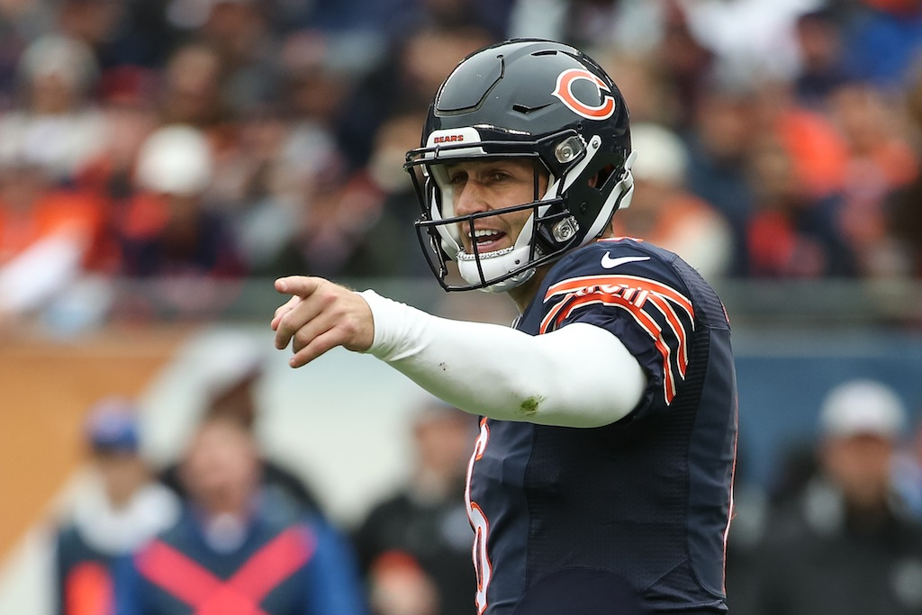Jay Cutler points to the sidelines