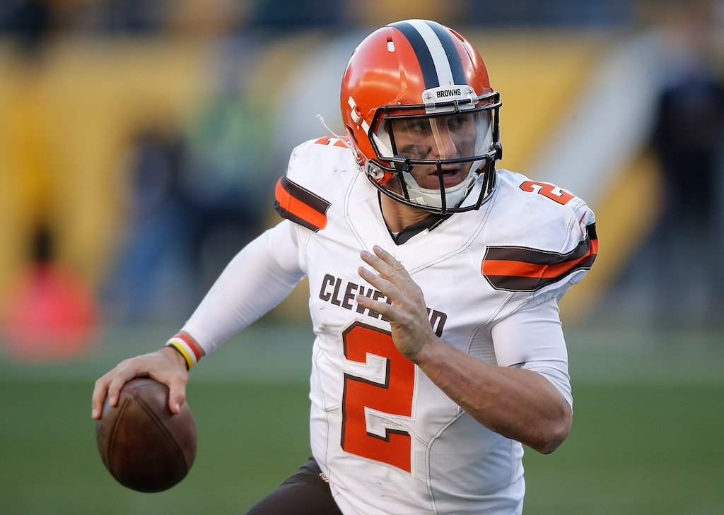 Johnny Manziel looks to pass against the Pittsburgh Steelers