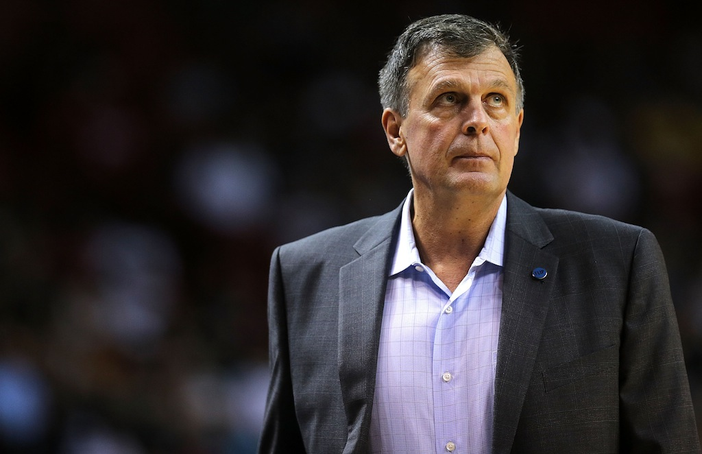 Kevin McHale looks up at the scoreboard.