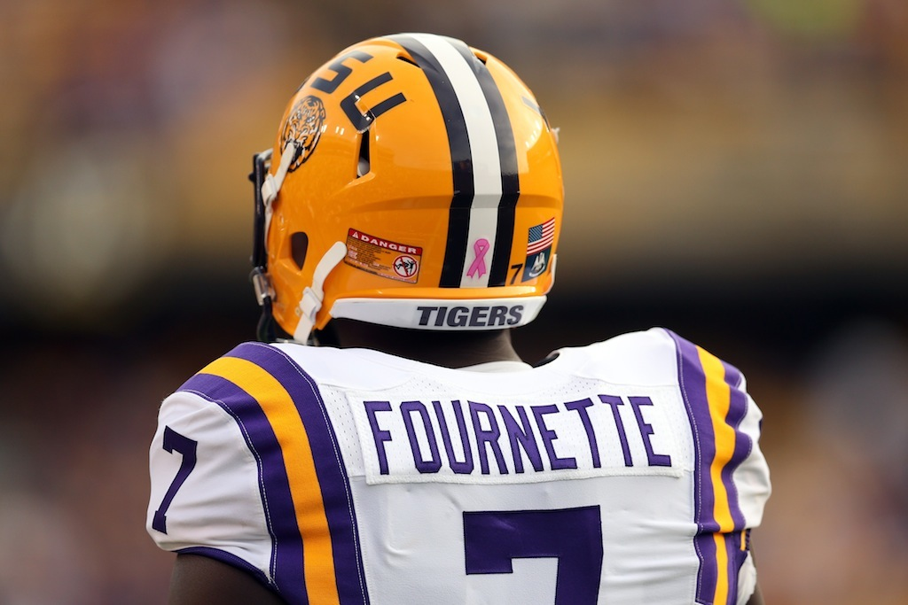 Leonard Fournette warms up for the game against Florida