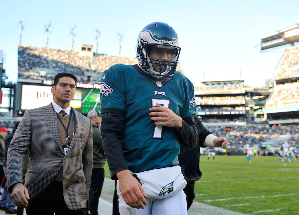 Sam Bradford leaves the field after being injured