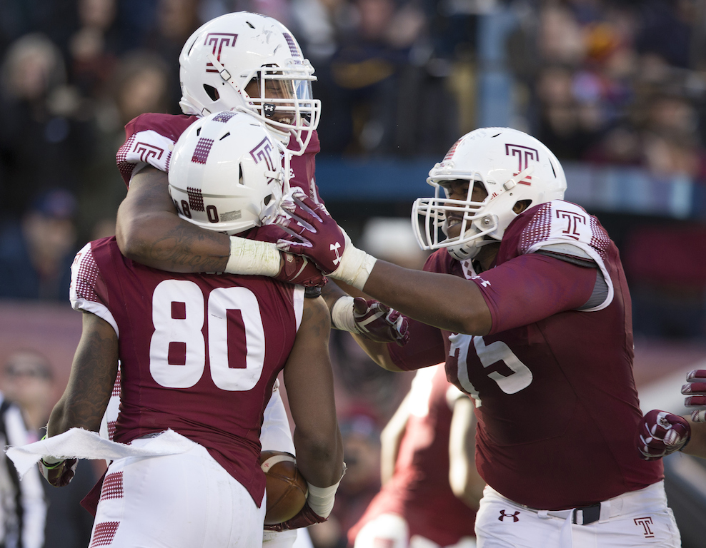 Temple players celebrate a touchdown