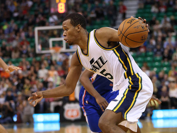 Rodney Hood moves toward the basket to score for the Utah Jazz.